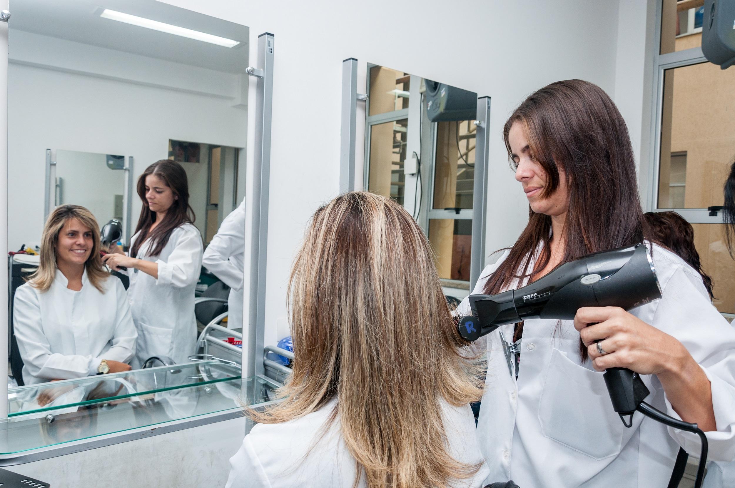 Resultado de imagem para Senac oferece serviços de beleza gratuitos na zona Norte de Natal