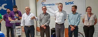 Presidente e vice entregam kits escolares da Escola Sesc em Macaíba