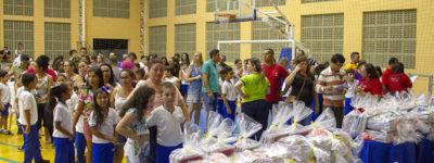 Entrega dos kits escolares na Escola Sesc Zona Norte
