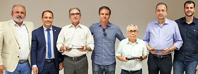 Presidente Marcelo Queiroz é homenageado pelo Sincopeças em evento de final de ano da entidade